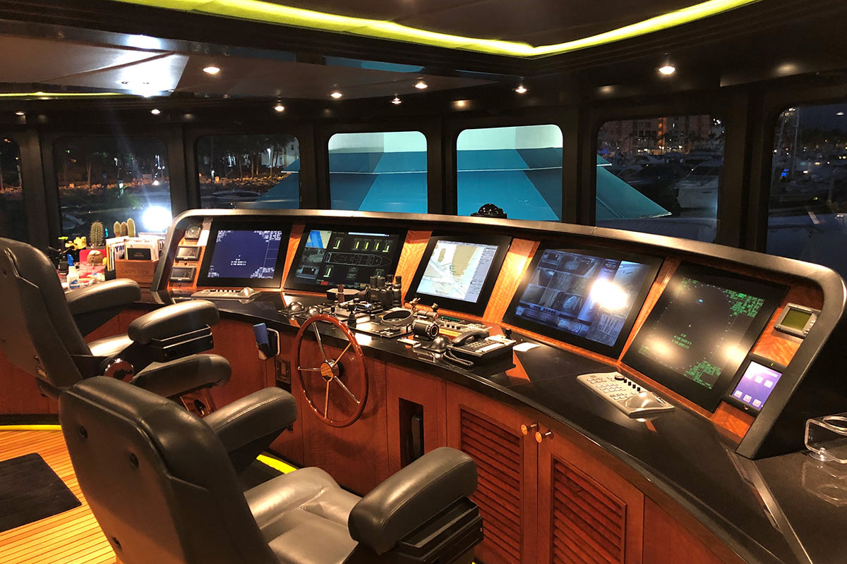 Quadview 4k Multiviewer Keeps Luxury Superyacht On Course