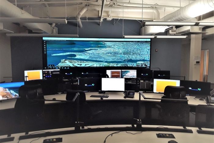 Port of Oakland 2 x 4 video wall